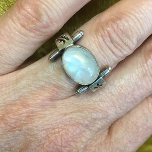 Jewelry - Sterling Moonstone ring